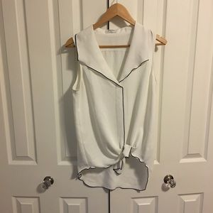 Aritzia sleeveless blouse